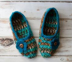 A free deliciously wonderful crochet slippers pattern that is even better than the slippers grandma made.
