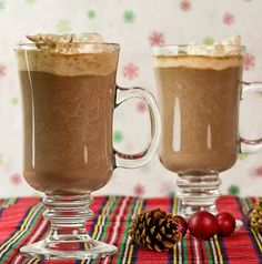 Spice up your your holidays with this recipe for chai hot chocolate! Full of all the spicy goodness of chai tea and the extra flavor of rich chocolate. Non Alcoholic Drinks, Fun Drinks, Yummy Drinks, Beverages, Cocktails, Yummy Treats, Yummy Food, Yummy Recipes, Hot Chocolate Recipes