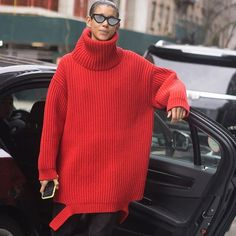 The #balenciaga ribbed wool super-oversized #turtleneck #sweater in full effect on #Dilone at #NYFW