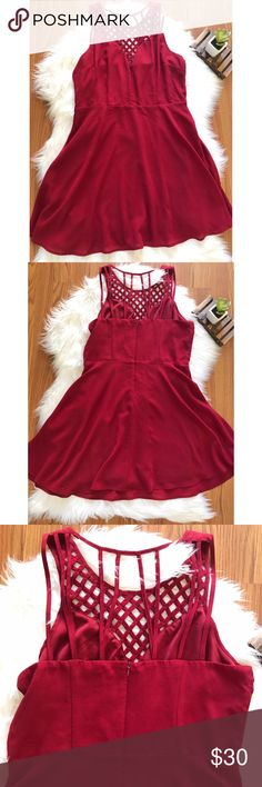 New pick ✨Burgundy formal dress 💃🏻 Beautiful Burgundy Formal Dress. 💃🏻Perfect 👌🏼 for proms, formals, weddings,or a night out! Picture 1: shows the front of the dress. Picture 2: shows the back. Picture 3: closer look of the back. Open for offers 😊 Forever 21 Dresses Prom