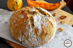 Paine cu dovleac copt si nuci Crackers, Bread, Recipes, Pretzels, Brot, Recipies, Baking, Breads, Ripped Recipes