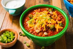 52 Copy Cat Recipes That Taste Like The Real Thing.by Delish Wendy's Chili - vertical Chili Recipes, Copycat Recipes, Mexican Food Recipes, Soup Recipes, Dinner Recipes, Cooking Recipes, Healthy Recipes, Ethnic Recipes, Dinner Ideas