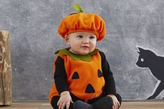 50 halloween costume ideas for kids girls!DIY Halloween costumes for kidsno sewing necessary! internet at large there are so many great ideas for DIY Halloween costumes out there. Toddler Pumpkin Costume, Pumpkin Halloween Costume, First Halloween, Baby Costumes, Halloween Costumes For Kids, Halloween Pumpkins, Newborn Halloween, Toddler Halloween, Halloween Projects