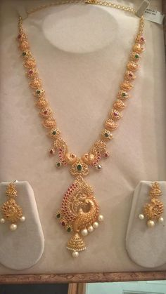 Uncut Diamond Long Chain latest jewelry designs - Page 26 of 58 - Indian Jewellery Designs Gold Earrings Designs, Gold Jewellery Design, Necklace Designs, Gold Haram Designs, Anklet Designs, Gold Designs, Vintage Jewellery, Antique Jewelry, Indie