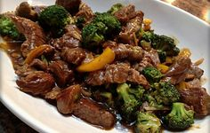 17 Beef Recipes You Should Master Slow Cooker Teriyaki Beef and Broccoli Stew.This delicious stew can be served over cooked rice,pasta,or any grain. Crock Pot Slow Cooker, Crock Pot Cooking, Slow Cooker Recipes, Beef Recipes, Cooking Recipes, Healthy Recipes, Cooking Oil, Delicious Recipes, Easy Recipes