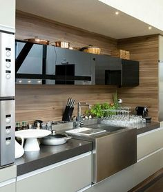 The best modern kitchen design this year. Are you looking for inspiration for your home kitchen design? Take a look at the kitchen design ideas here. There is a modern, rustic, fancy kitchen design, etc. Modern Kitchen Cabinets, Kitchen Dinning, Kitchen Cabinet Design, Wooden Kitchen, Kitchen Sets, Modern Kitchen Design, Home Decor Kitchen, Interior Design Kitchen, Kitchen Furniture