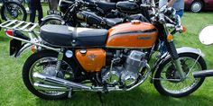 5 Vintage Bikes That Are as Fun to Ride as They Are Stylish Vintage Bikes, Vintage Motorcycles, Custom Motorcycles, Custom Bikes, Honda Cb750, Honda Motorcycles, Cafe Racer Honda, West Coast Choppers, Honda Cub