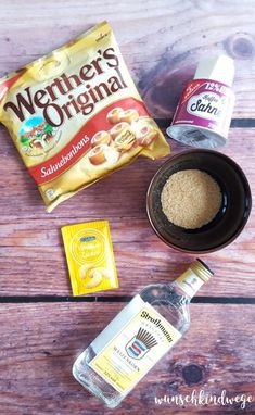 Werther& liqueur - the original as a delicious, creamy liqueur Werther's Likör - Das Original als leckerer, sahniger Likör Werther& liqueur Hot Cross Bun, Healthy Protein, Protein Snacks, Protein Smoothies, Non Alcoholic Drinks, Wine Drinks, Smoothie Bowl, Smoothie Recipes, Cake Recipes