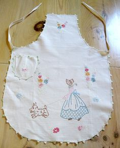 Vintage embroidered apron 1930s