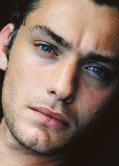 Jude Law...those lips..he could kiss any time he wanted! Mmmmmm