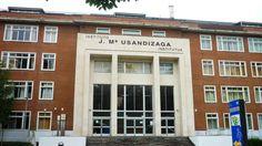Fachada del Instituto José María Usandizaga, en el barrio de Amara de Donostia. Toma el nombre del músico José María Usandizaga, que vivió entre 1887 y 1915.