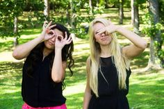 Best Friends Photoshoot Photography Pose Idea Silly Fun