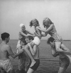 Having a blast at the beach, vintage style. #vintage #summer #beach