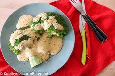 Deze broccoli met mosterd-kaassaus is zo waanzinnig lekker, heel gezond en ook nog eens supersnel klaar. Als je wilt bak je er nog een stukje zalm of stukje kipfilet bij. Dan heb je helemaal een complete maaltijd. Brocolli, Smoothie Recipes, Food Inspiration, Risotto, Potato Salad, Low Carb, Keto, Healthy Recipes, Healthy Food