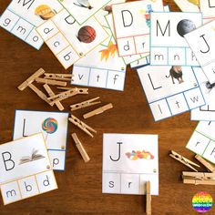 Matching Uppercase And Lowercase Letters - these clever printable cards offer young children useful support when first learning uppercase letters | you clever monkey