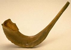 A shofar is an ancient Jewish liturgical instrument. A natural trumpet, it is usually made from a ram's horn. This shofar was a family treasure, brought to Canada by Vladislaw Schwartz, a Jewish immigrant from Minsk, Russia. Jewish History, Jewish Art, Bloom Book, Ancient Music, Fiddler On The Roof, Archaeological Discoveries, Music And Movement, Worst Day, Trees To Plant