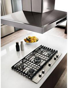 KitchenAid 5 Burners Stainless Steel Gas Cooktop (Common: Actual: at Lowe's. If you love to experiment and push culinary limits, you'll appreciate the power and versatility of this cooktop. Five individual burners includes Buy Kitchen, Kitchen And Bath, Kitchen Dining, Kitchen Decor, Kitchen Ideas, Kitchen Upgrades, Kitchen Layout, Kitchen Flooring, Kitchen Island