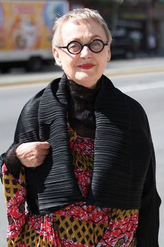 ... older women on Pinterest | Advanced Style, Gray Hair and Older Women