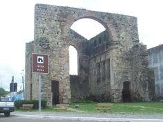 São Mateus (ES) - Brasil - ruínas de igreja inacabada