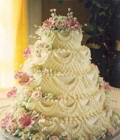 What a beautiful decorated cake.  http://ediblecraftsonline.com/ebook2/mybooks73.htm?hop=megairmone