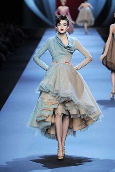 Pop Art Fashion, Fashion Looks, Fashion Design, Cristian Dior, High Fashion Photography, Lesage, Couture Dresses, Costume Design, Beautiful Outfits