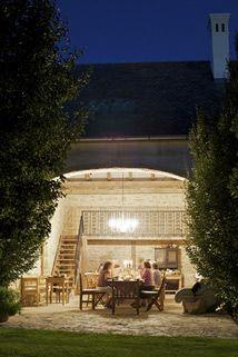 wanna go here (Sárffy-ház, Balaton-felvidék, HU) Traditional House, Homeland, Cottage Style, Hungary, Cabins, Countryside, Farmhouse, Houses, Places