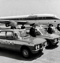 Alfa Romeo Gtv, Alfa Romeo Giulia, Airplanes, Aviation, Classic Cars, Planes, Vintage Classic Cars, Aircraft, Plane