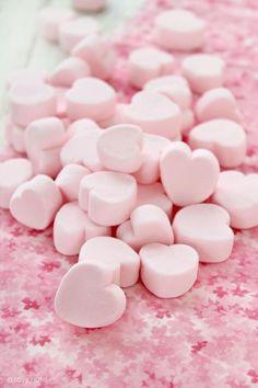 Have a pink marshmallow heart! Pretty Pastel, Pastel Pink, Rainbow Pastel, Pastel Grunge, Color Rosa, Pink Color, Peggy Porschen Cakes, Rose Bonbon, Tout Rose
