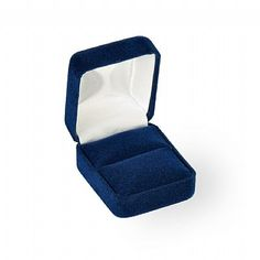 """Noble Gift Packaging's  """"New York"""" collection brings you classic jewellery boxes that have been an industry standard for over 100 years. These rich velour boxes have curved corners, matching velour inserts, and plush white satin wrapped lids. Available in a wide range of sizes, shapes, and colours. To create a lasting impression - print your logo!"""