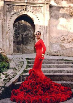 by flamenco clothes fashion designer Vicky Martín Berrocal.I love thhe gown.Would be a beautiful red wedding gown also Beauty And Fashion, Red Fashion, High Fashion, Fashion Models, Fashion Women, Red Wedding, Wedding Gowns, Vestido Dress, Red Gowns
