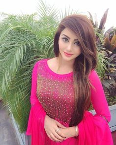Delhi Escorts hosts enormous communities as people from several parts of India resides for happy livings. Stylish Girls Photos, Stylish Girl Pic, Beautiful Girl Photo, Beautiful Girl Indian, Girl Pictures, Girl Photos, Elegant Girl, Indian Designer Outfits, Thing 1