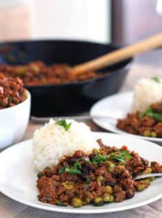 Cuban Style Picadillo — This authentic Cuban Picadillo recipe brings a hodepodge of ingredients together to create one of the best tasting versions. Both simple and delicious! Puerto Rican Recipes, Cuban Recipes, Beef Recipes, Cooking Recipes, Spanish Recipes, Skillet Recipes, African Recipes, Skillet Meals, Yummy Recipes