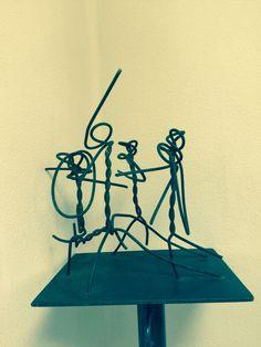 """Escultura en hierro,""""Los músicos"""" de la serie escapados del hormigón"""