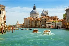 The Best Travel, Food and Culture Guides for Venice, Italy - Top Things To Do & The Essential Guide to Venice.
