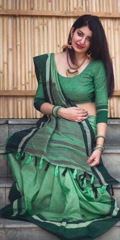 Raw Silk Saree, Silk Sarees, Indian Sarees, Beautiful Bollywood Actress, Most Beautiful Indian Actress, Indian Crossdresser, Kerala Bride, Jamdani Saree, South Indian Actress Hot
