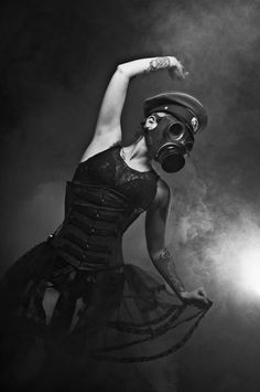 Shoot a similar set but without the gas mask Apocalyptic Fashion, Post Apocalyptic, Gas Mask Girl, Gothic Photography, Photography Editing, Steampunk, Masks Art, Shooting Photo, Dark Fashion