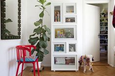 http://skandina4.de/wp-content/uploads/2012/04/IkeaPS-Vitrine.jpg