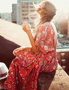 Afin de supporter l'hiver, pensons d'ores et déjà à nos futures robes estivales ! (photo By Tezza)