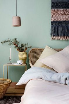 Hyggelig live and live: Sensual sleep - Kids Room ıdeas Light Green Bedrooms, Light Green Walls, Bedroom Green, Green Rooms, Bedroom Colors, Home Decor Bedroom, Bedroom Wall, Bedroom Ideas, New Room