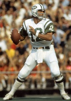 Jets would face risk with Tebow in punt protector role – American Football Nfl Jets, New York Jets Football, School Football, American Football Rules, Nfl Football Players, Football Cards, Football Stuff, Football Helmets, Joe Namath