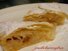 Almás rétes háromszögek Hungarian Recipes, Mat, Healthy, Ethnic Recipes, Sweet, Food, Candy, Essen, Meals