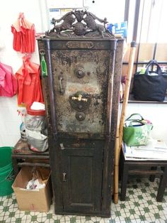 Vintage Safe - Malaysia Silly Things, Fathers Love, Antique Clocks, Asian, Antiques, Pretty, Beautiful, Vintage