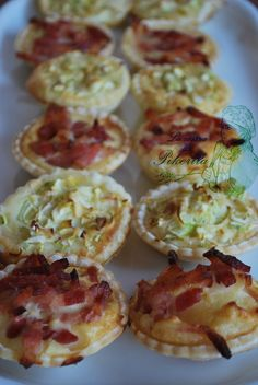 Savory Snacks, Yummy Snacks, Snack Recipes, Cooking Recipes, Yummy Food, Quiches, Tea Time Snacks, Tasty Bites, Happy Foods