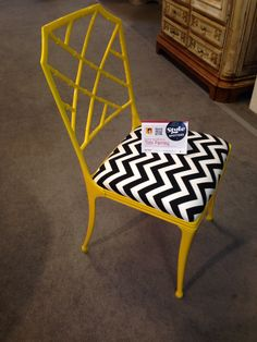Bright bamboo and chevron chair from 20th Century by HKFA - Antique & Design Center space 34 #hpmkt