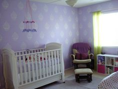 Indian-themed nursery with Indian Paisley wall stencil. Apartment Therapy feature.