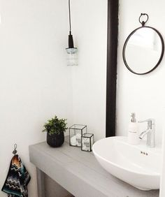 bathroom design home design Black White Bathrooms, White Bathroom Decor, Bathroom Styling, Bathroom Interior Design, Modern Bathroom, Minimalist Bathroom, Simple Bathroom, Bathroom Designs, Bathroom Ideas