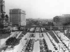 Nos anos 30, o Anhangabaú deixa de ser parque para virar avenida / São Paulo: A…