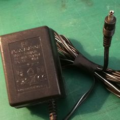 AC adaptador 230V 50hz 30mA 6V 400mA
