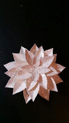 Stampin up Festive Flower Builder Punch. Hop over to www.facebook.com/MelindasRubberRoom for more info. Like my page for more inspiration