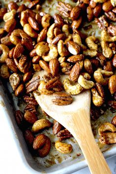 Thai Sriracha Lime Spiced Nuts recipe by SeasonWithSpice.com